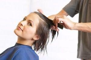 Сон стричь волосы у парикмахера