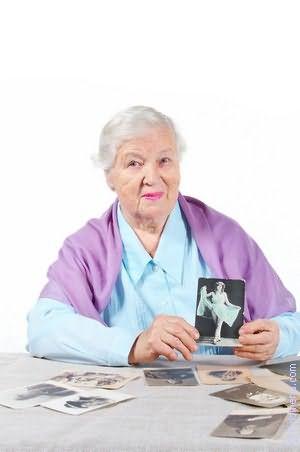 Бабушка взяла меня за член