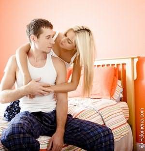 во сне знакомый парень крепко поцеловал в губы