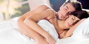 Два голых парня на пустой кровати — photo 14