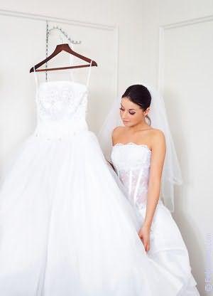 Мерить свадебное платье+сонник