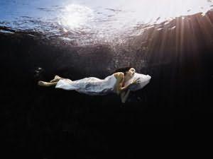 Что означает плавать во сне