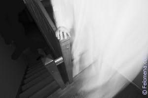 К чему снится призрак девушки