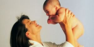 К чему снится родить ребенка во сне